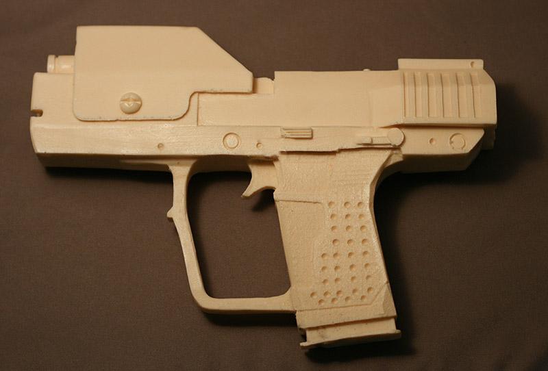 Halo 3 Master Chief sidearm M6G fullsize 1:1 resin prop unpa