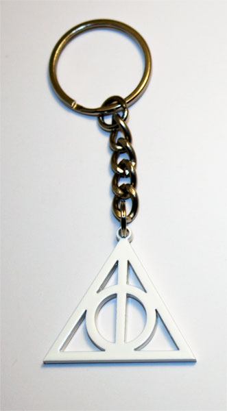 Harry potter and the deathly hallows logo keyring. Very rare